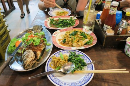 50 Must-Try Delicious Foods When You Travel To Phuket, Thailand